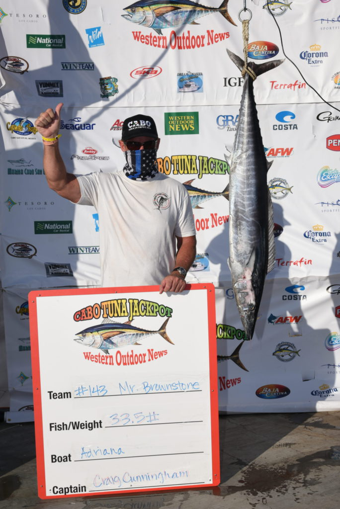 thumbs up for the winning wahoo on the Tuna Jackpot scale