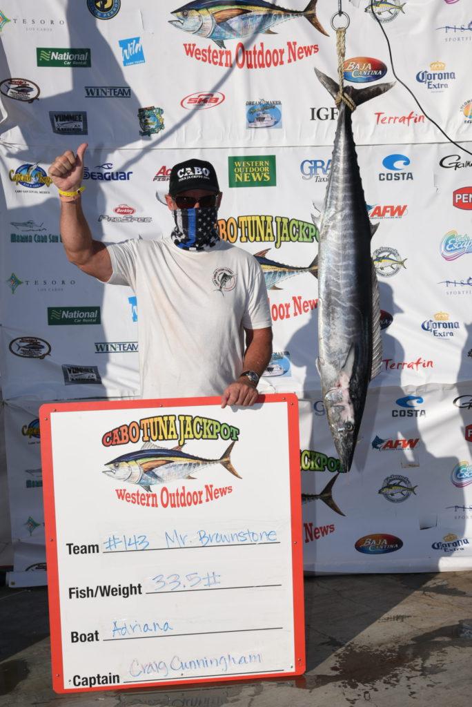 thumbs up for the winning wahoo on the Tuna Jackpot scale
